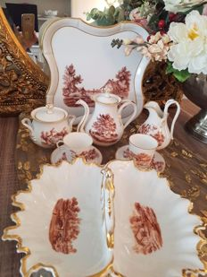 Crockery Tête with patry dish