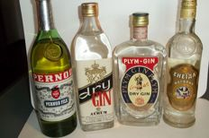 1 Pernod Fils bottled 1960s & Gin Aurum bottled 1960s & Gin Plym bottled 1960s & Vodka Moropny bottled 1980s (50cl) tot. 4 bottles