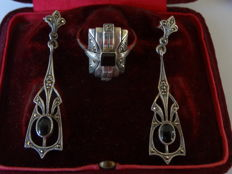 Silver dangle earrings and ring Art Nouveau style Onyx/Marcasite
