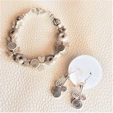 Set: Silver 925 - Bracelet Depicting Flowers Butterfly and Others Many Charms
