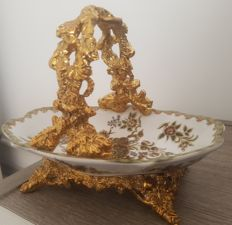 Chinese basket with gold coated handle
