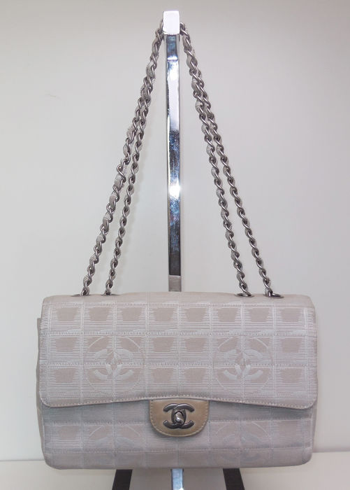 b92b7c4e8c7c Chanel - Travel Line 2.55 classic model chain shoulder bag - Catawiki