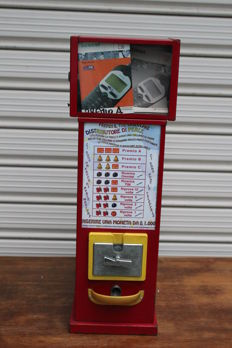 "Vending machine "" La Perla "" model - 1990s"