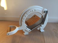 Iconic Raadvad bread slicer in near mint condition