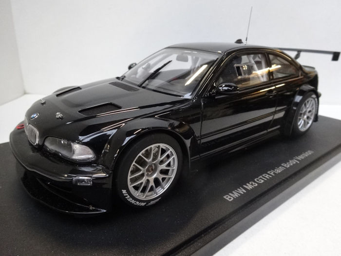 Autoart - Scale 1/18 - BMW M3 GTR Plain Body - Black
