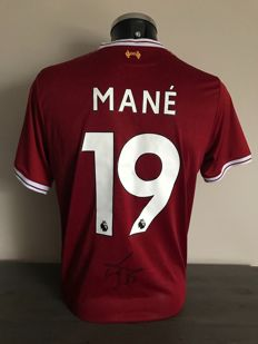 Sadio Mané signed Liverpool Fc home shirt 2017-2018 with photos of the moment of signing and COA
