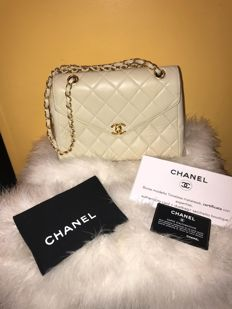 Chanel Hand/Shoulder Bag - Model: Flap Bag