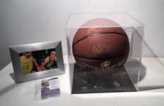 Dream Team dual signed  Magic Johnson & Larry Bird Signed Basketball  in Display Case +COA