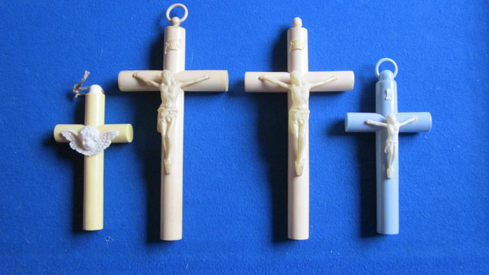 8 celluloid crosses