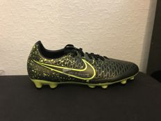 Andres Iniesta signed Nike magista opus boot shoe