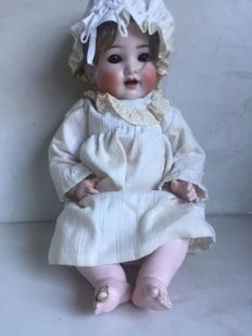 Porcelain doll from 1928 - Marked Germany 6