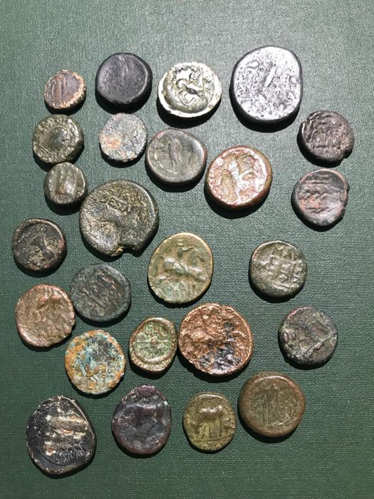 Greek antiquity - Lot of 25 AE coins (25x)