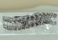 Half alliance ring in 18 kt white gold set with 65 diamonds totalling approx 2.20 ct ** NO RESERVE PRICE **
