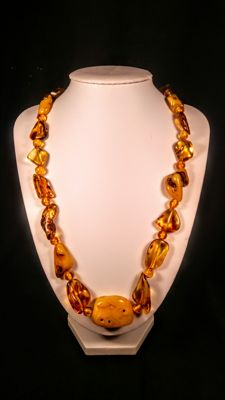 Vintage 100% natural Baltic Amber necklace,  41 grams