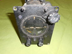 Autopilot Bank Climb Gyro Mark 4 USAAF WW 2. Metal with glass.
