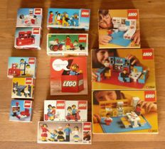 Vintage Lego from 1974, including boxes and construction plans. (13 pieces in total)