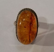 Vintage amber ring with honey-yellow Baltic amber, 20th century from Germany