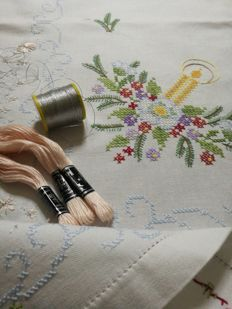 Christmas - Tablecloth to be completed as therapeutic anti-stress embroidery + mouline cotton and laminated silver thread