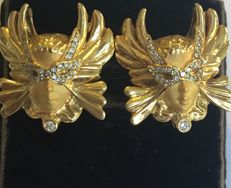 Carrera Y Carrera ear studs with clip-on mechanism, set with 60 diamonds (masked angel heads) - size: 21 x 20 mm