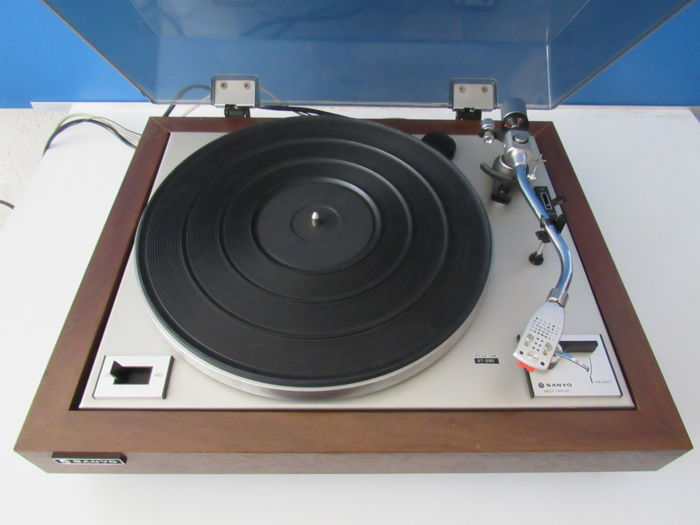 Beautiful Sanyo TP-625 semi-automatic turntable - Catawiki