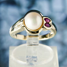 18K Solitaire Lady's Ring Creme White salt water Pearl 7,5 mm & Diamonds & Rubys RS 52 : US: 6 : 16,5 mm∅