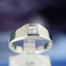 14K Solitaire Engagement / Entourage Ring Diamond in brillant cut of c. 0,20 Ct  RS 66-67 : US: 12 : 21,3  mm∅