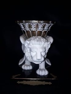 Bisquit Lion on Ceramic base