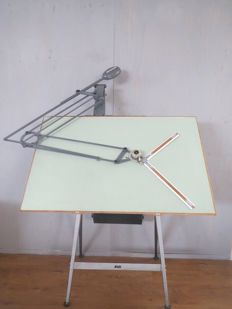 Nesstler - Drawing table