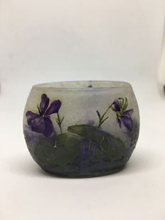 Daum Nancy - Miniature vase decorated with Violets