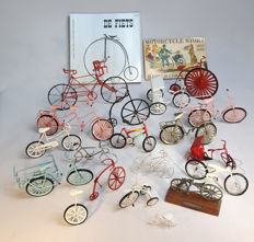 Collection of miniature bikes, book De fiets 1977 book by Museum Boymans van Beuningen and book by Harold Connelly, motorcycle story 1875 tm 1905