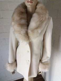 DAMO Donna - Magnificent new coat with fur collar