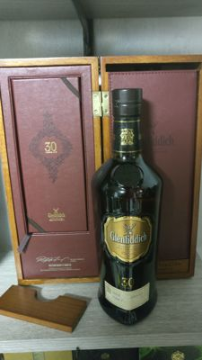 Glenfiddich wooden box 700ml 30 years old