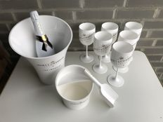 Moët & Chandon Ice Imperial; Moet Ice bottle & 6 glasses, ice bucket and ice scoop