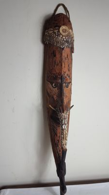 Old, large and beautiful  Mwai mask -  IATMUHL - Papua (Prince Alexander Mountains)