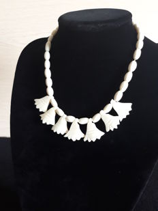 Antique Art Deco ivory necklace circa 1920-1940