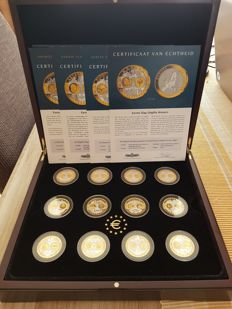Europe - 'Euro Collection commemorative coins' Case with first strike issues - 12 pieces in silver and 24 kt gold-plating