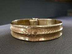 18 ct. Solid high-quality beautiful gold bracelet with an decor and pattern