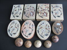 Handmade boxes in soapstone with hardstone and mother of pearl inlay - India - late 20th century