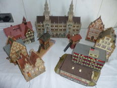 Faller/Kibri/Volmer H0 - Package with 7 city houses and signal boxes