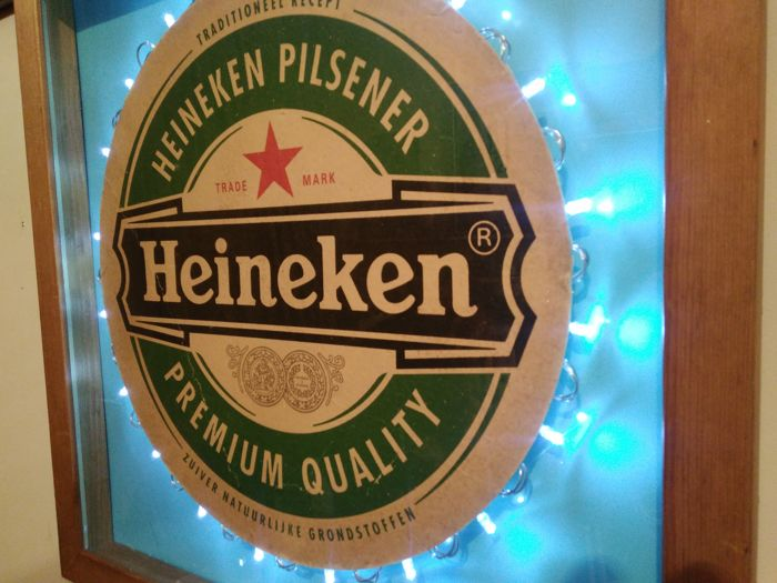 The only one 01/01 .Royal HEINEKEN. Logo dipped wooden box ...