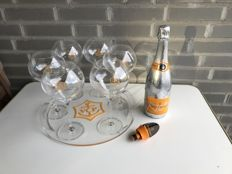 Veuve Clicquot Rich set, Veuve Rich, 6 glasses (rich), tray & stopper