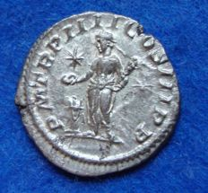 Roman Empire - Silver Denarius of Emperor Elagabalus (218–222 A. D.) offering emperor, struck in Rome (P718)