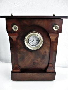 Empire-style mahogany veneered 'porte montre' / pocket watch holder with pocket watch in silver case - Ca. 1880