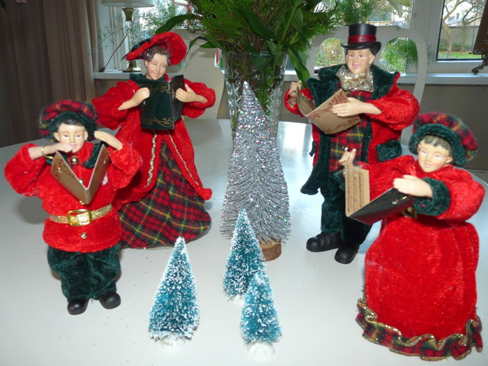 Christmas Carol Singers Ornaments.4 Piece English Carol Singers Catawiki