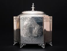 Handmade 800 Silver Tea Caddy, Italy,  20th c.