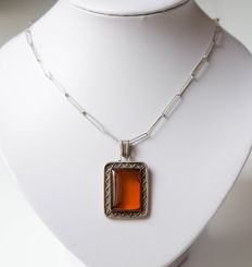 Silver vintage necklace with amber