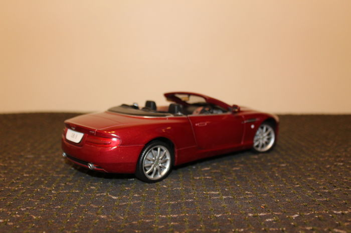 solido schaal 1 18 aston martin db9 volante bordeaux metallic catawiki. Black Bedroom Furniture Sets. Home Design Ideas