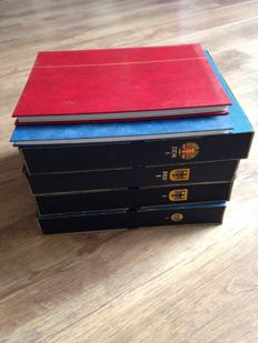 Four Davo albums and one stock book (plus a bit more) with German stamps 1872/2003