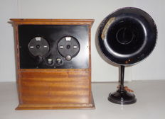Beautiful English radio set from the 1920s