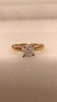 18 kt yellow gold solitaire ring – 1 ct brilliant cut diamond, size 52.